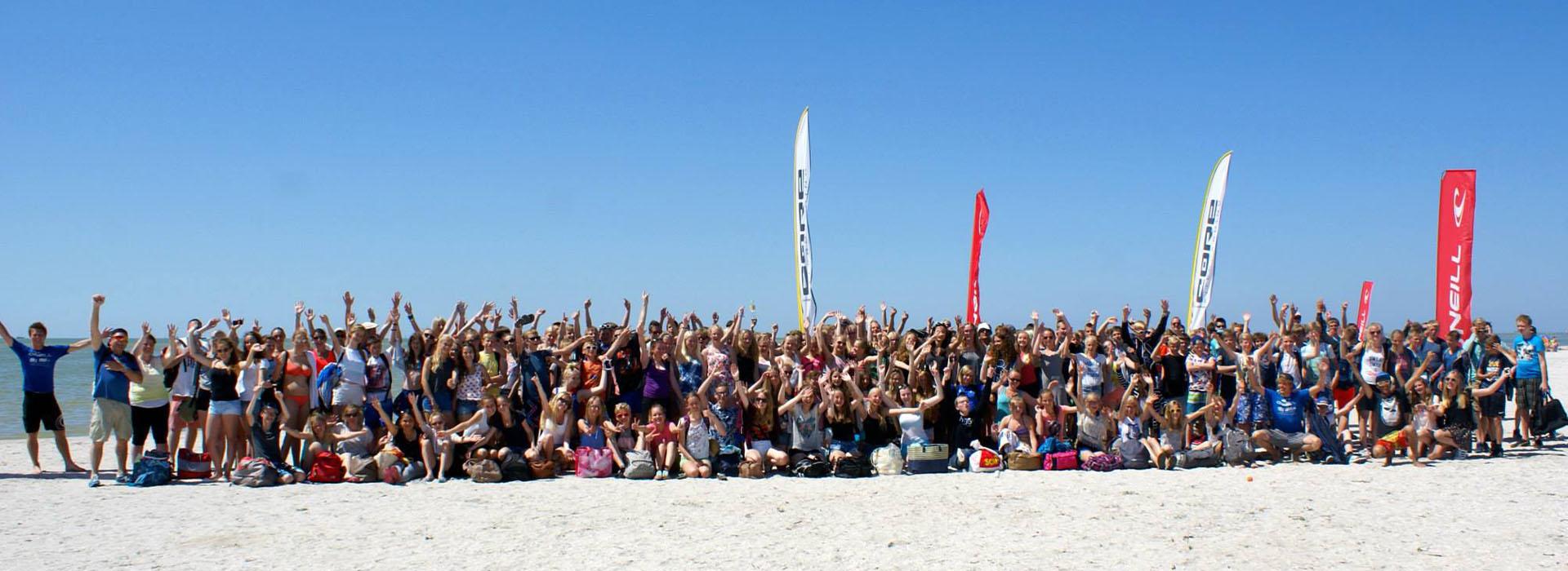 groepen uitje surfen kiten