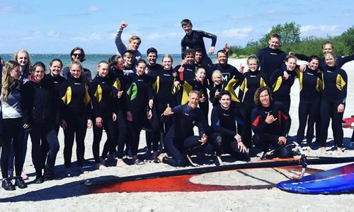 windsurf groepen uitje bedrijfs uitje windsurflessen